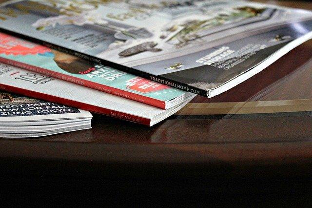 různé časopisy