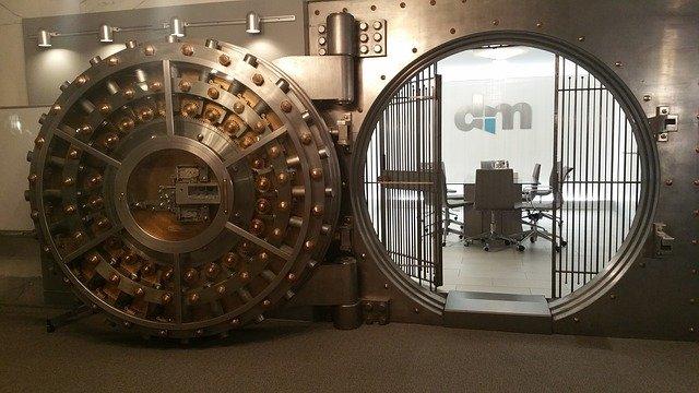 trezor v bance.jpg